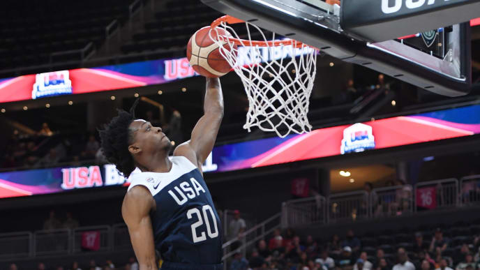 LAS VEGAS, NEVADA - AUGUST 09:  De'Aaron Fox #20 of the 2019 USA Men's National Team dunks during the 2019 USA Basketball Men's National Team Blue-White exhibition game at T-Mobile Arena on August 9, 2019 in Las Vegas, Nevada.  (Photo by Ethan Miller/Getty Images)