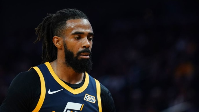 SAN FRANCISCO, CALIFORNIA - NOVEMBER 11: Mike Conley #10 of the Utah Jazz during the second half against the Golden State Warriors at Chase Center on November 11, 2019 in San Francisco, California. NOTE TO USER: User expressly acknowledges and agrees that, by downloading and/or using this photograph, user is consenting to the terms and conditions of the Getty Images License Agreement. (Photo by Daniel Shirey/Getty Images)