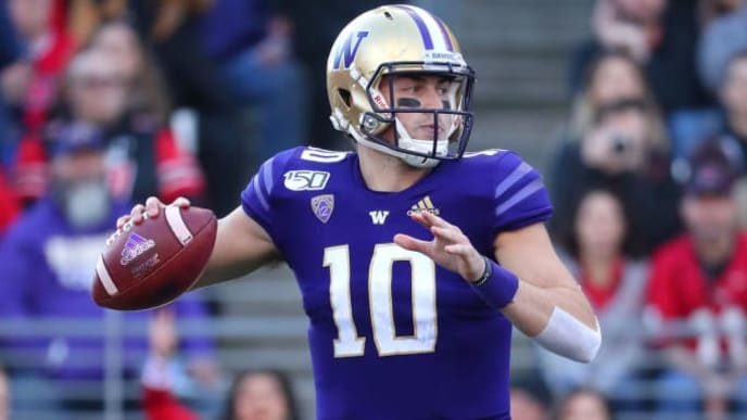 SEATTLE, WASHINGTON - NOVEMBER 02: Jacob Eason #10 of the Washington Huskies looks to throw the ball against the Utah Utes in the first quarter during their game at Husky Stadium on November 02, 2019 in Seattle, Washington. (Photo by Abbie Parr/Getty Images)