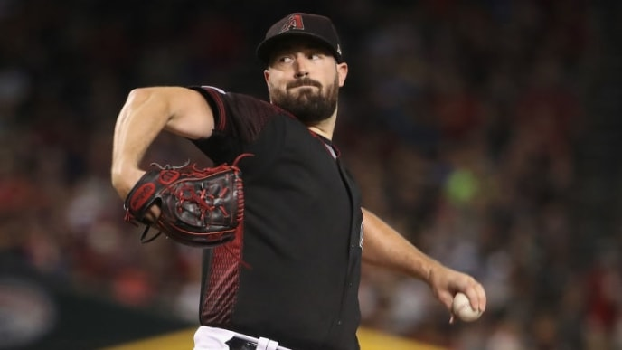 PHOENIX, ARIZONA - AUGUST 03:  Starting pitcher Robbie Ray #38 of the Arizona Diamondbacks pitches against the Washington Nationals during the MLB game at Chase Field on August 03, 2019 in Phoenix, Arizona. The Diamondbacks defeated the Nationals 18-7. (Photo by Christian Petersen/Getty Images)