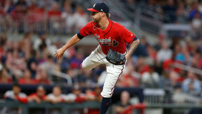 ATLANTA, GEORGIA - SEPTEMBER 06: Closer Shane Greene #19 of the Atlanta Braves throws a pitch in the ninth inning during the game against the Washington Nationals at SunTrust Park on September 06, 2019 in Atlanta, Georgia. (Photo by Mike Zarrilli/Getty Images)