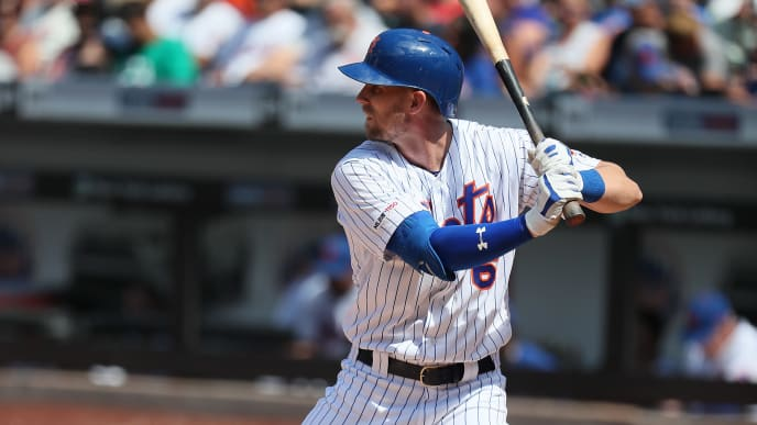 NEW YORK, NEW YORK - AUGUST 11:  Jeff McNeil #6 of the New York Mets bats against the Washington Nationals during their game at Citi Field on August 11, 2019 in New York City. (Photo by Al Bello/Getty Images)