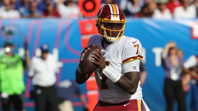 EAST RUTHERFORD, NEW JERSEY - SEPTEMBER 29: Quarterback Dwayne Haskins, Jr. #7 of the Washington Redskins passes the ball against the New York Giants in the second half at MetLife Stadium on September 29, 2019 in East Rutherford, New Jersey. The Giants defeated the Redskins 24-3. (Photo by Al Pereira/Getty Images)