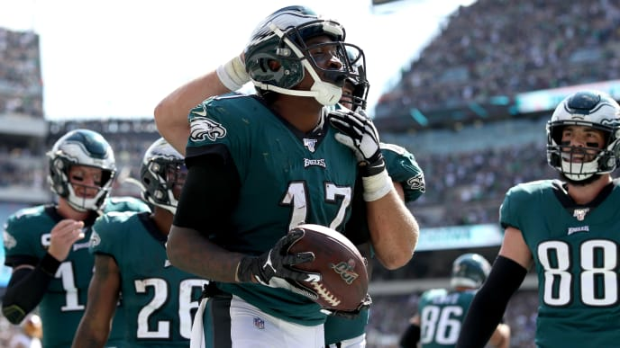 PHILADELPHIA, PENNSYLVANIA - SEPTEMBER 08: Alshon Jeffery #17 of the Philadelphia Eagles celebrates after catching a third quarter touchdown pass against the Washington Redskins at Lincoln Financial Field on September 08, 2019 in Philadelphia, Pennsylvania. (Photo by Rob Carr/Getty Images)