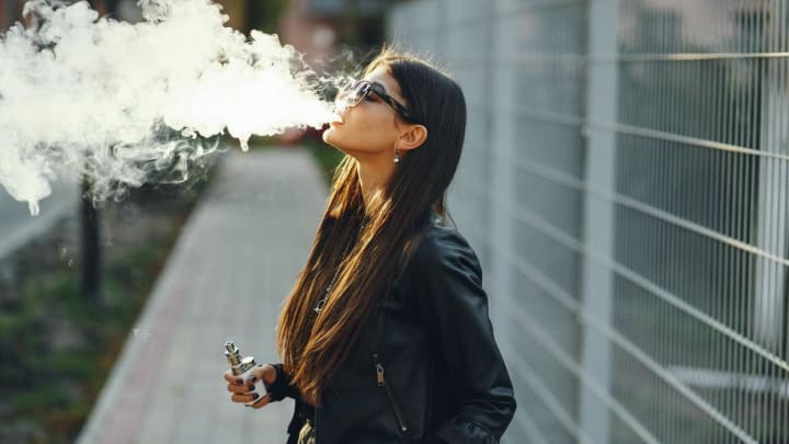 Is it safe to use your cannabis vape pen? The CDC says no.