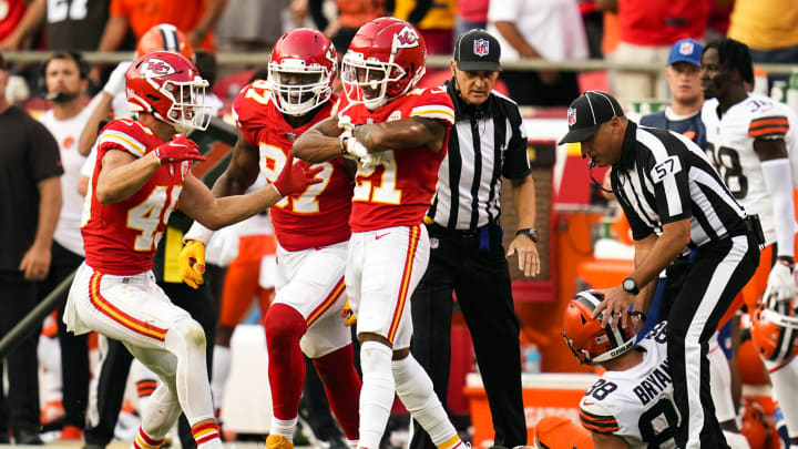 Kansas City Chiefs players celebrate after game-ending takeaway in win over Cleveland Browns.