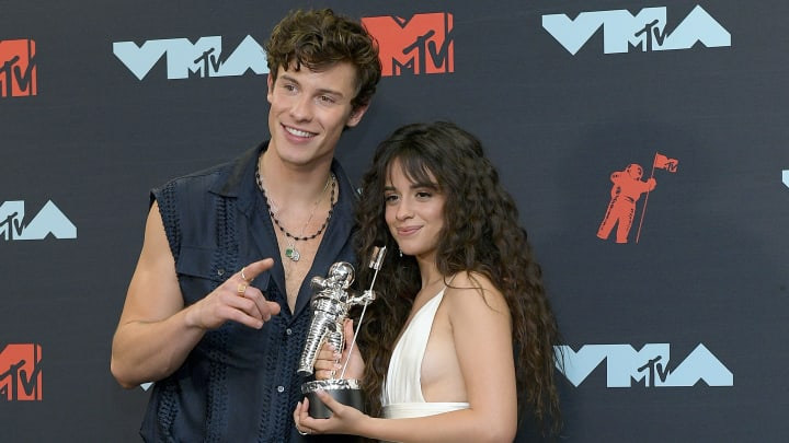 NEWARK, NEW JERSEY - AUGUST 26: Shawn Mendes and Camila Cabello pose in the Press Room during the 2019 MTV Video Music Awards at Prudential Center on August 26, 2019 in Newark, New Jersey. (Photo by Roy Rochlin/Getty Images for MTV)