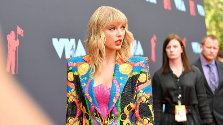 NEWARK, NEW JERSEY - AUGUST 26: Taylor Swift attends the 2019 MTV Video Music Awards at Prudential Center on August 26, 2019 in Newark, New Jersey. (Photo by Dia Dipasupil/Getty Images for MTV)