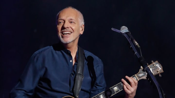 """NEW YORK, NY - MAY 09:  Peter Frampton joins Billy Joel on """"Show Me The Way"""" and """"Baby I Love Your Way""""  on Joel's 70th birhtday and his 64th consecutive sold out show of his residency at Madison Square Garden on May 9, 2019 in New York City.  (Photo by Myrna M. Suarez/Getty Images)"""