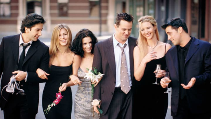 """385848 15: Cast Members Of NBC's Comedy Series """"Friends."""" Pictured (L To R): David Schwimmer As Ross Geller, Jennifer Aniston As Rachel Cook, Courteney Cox As Monica Geller, Matthew Perry As Chandler Bing, Lisa Kudrow As Phoebe Buffay And Matt Leblanc As Joey Tribbiani.  (Photo By Getty Images)"""