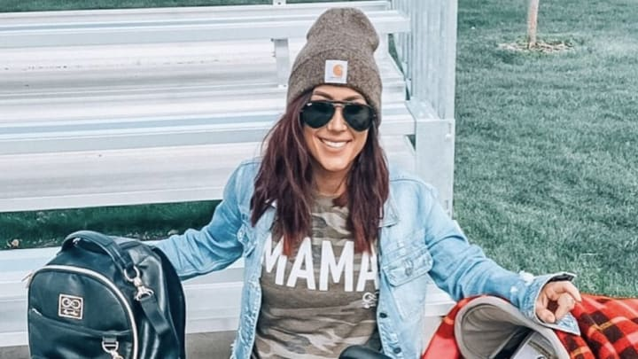 Chelsea Houska via Instagram