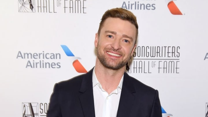 NEW YORK, NEW YORK - JUNE 13: Justin Timberlake poses with the Contemporary Icon Award backstage during the Songwriters Hall Of Fame 50th Annual Induction And Awards Dinner at The New York Marriott Marquis on June 13, 2019 in New York City. (Photo by Larry Busacca/Getty Images for Songwriters Hall Of Fame)