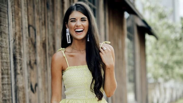 'The Bachelor' contestant Madison Prewett accused of creating fan account for herself
