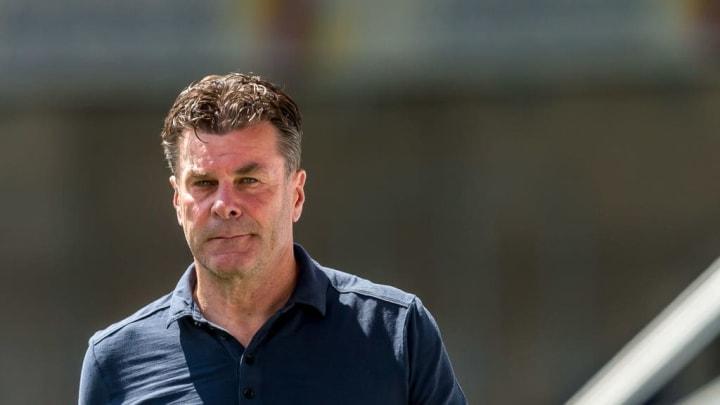 Dieter Hecking soll den HSV wieder in die Bundesliga führen. Nach der Pleite gegen Heidenheim droht dem Klub ein drittes Jahr zweite Liga.