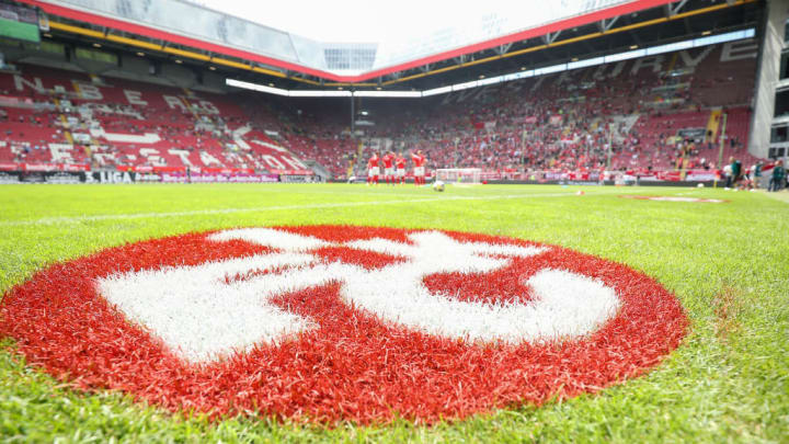 1. FC Kaiserslautern v SpVgg Unterhaching - 3. Liga