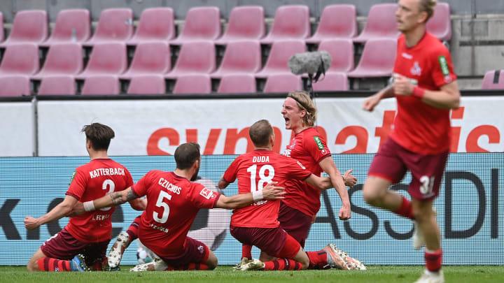 Köln bejubelt den Treffer zur Relegation