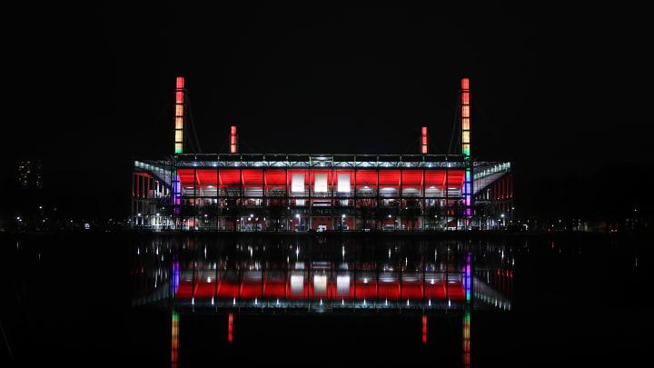 Das Rheinenergiestadion ist am Freitagabend ausverkauft!