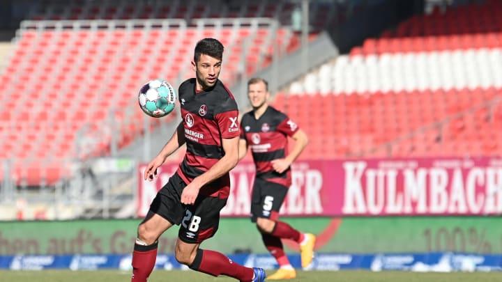 Hannover 96 soll an Lukas Mühl interessiert sein.