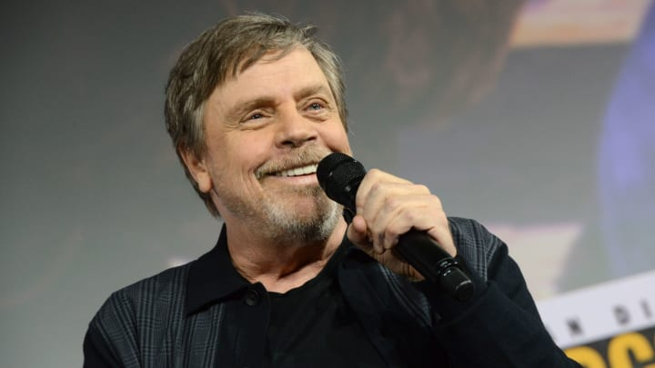 Mark Hamill recalls knowing about Darth Vader revealing himself as Luke Skywalker's father.