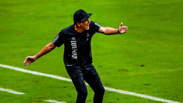 Cuca Santos Treinador Atlético-MG