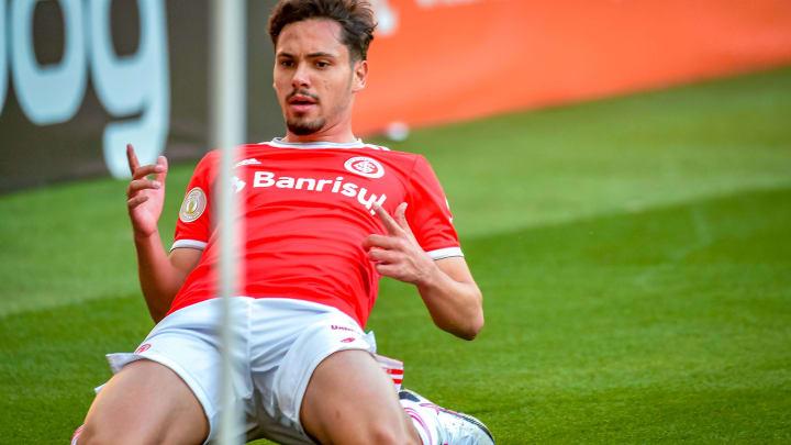Maurício ocupa a vaga de Taison, lesionado, na equipe do Inter