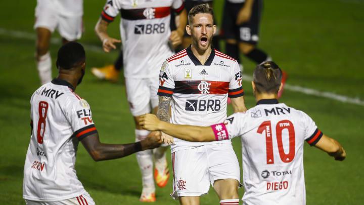 Com voto de confiança de Rogério Ceni, Léo Pereira faz parte dos planos do Flamengo para 2021