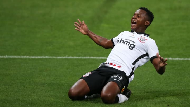 Cazares Flamengo FLuminense Corinthians