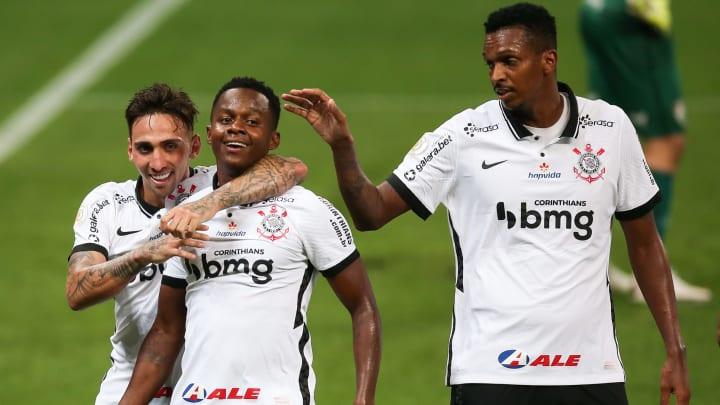 Cazares, Otero, Jô e mais: confira cinco jogadores do Corinthians que precisarão elevar o nível para seguirem titulares na equipe de Mancini.