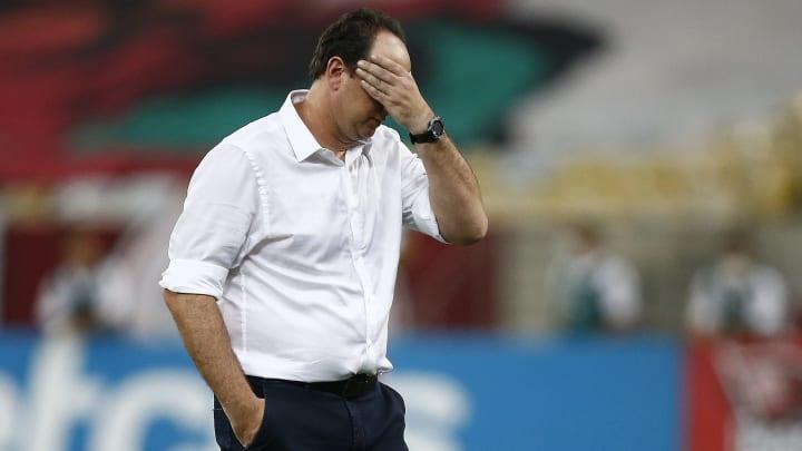 """Com pouco repertório e """"Arrascadependência"""" escancarada, Flamengo não vai bem e perde Clássico dos Milhões para o Vasco."""
