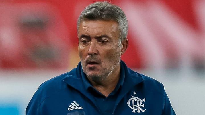 �Me mostrou a qualidade que tem�, Dome elogia jovem atacante do Flamengo