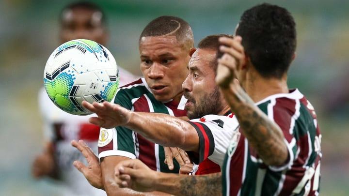 Everton Ribeiro, Wellington Silva