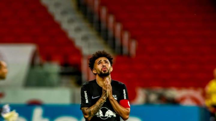 Claudinho foi eleito o craque e a revelação do Campeonato Brasileiro 2020.