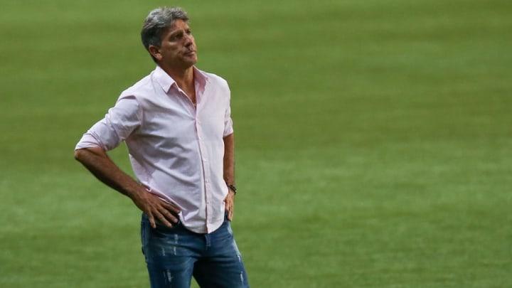 Renato Portaluppi pendurou as chuteiras e pouco tempo depois virou treinador.