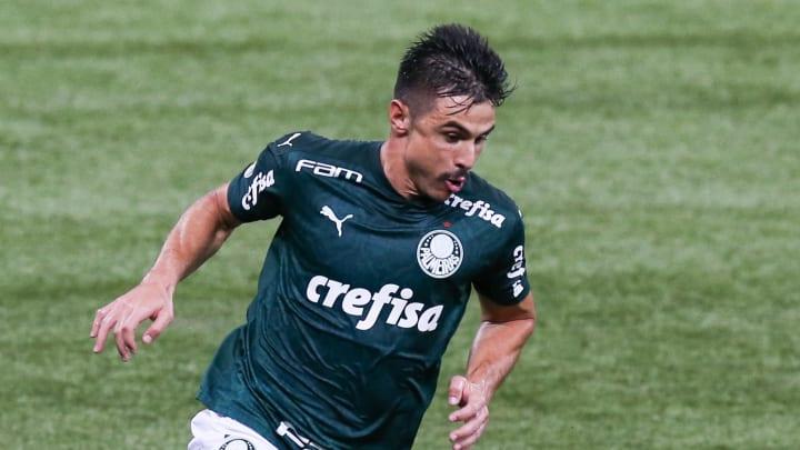 Willian anotou o gol que deu a vitória ao Palmeiras contra o Guarani