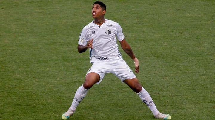 Santos Raniel Futebol Lesão