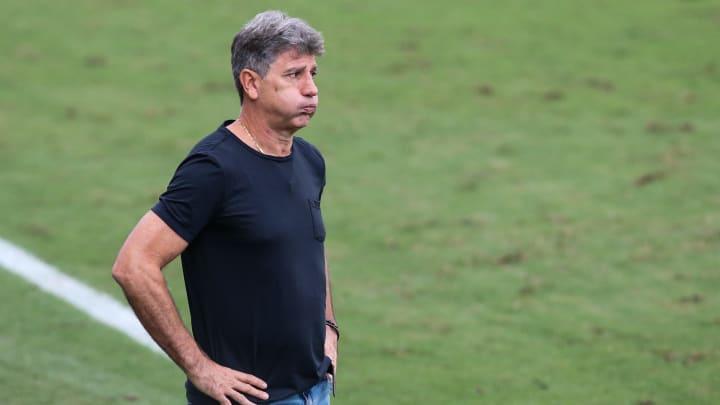 Renato Gaúcho não teve um pedido aceito pela diretoria do Flamengo. Com isso, treinador chega com apenas um auxiliar ao clube.