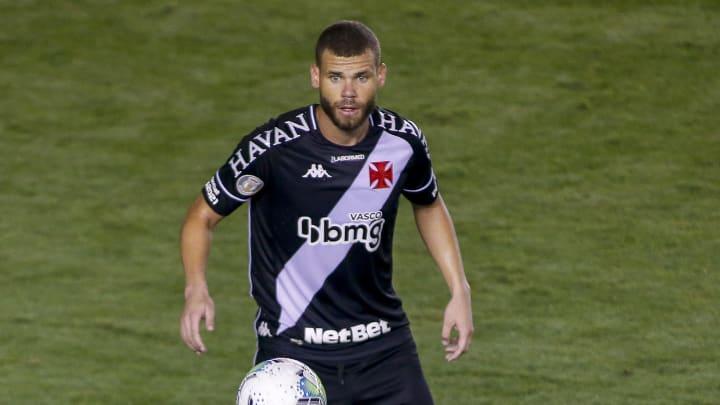 Atacante recebeu propostas de clubes que vão disputar a Série A.