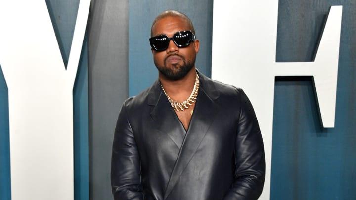 Kanye West reporta ganancias en la música, el diseño de ropa y calzado deportivo y los negocios inmobiliarios