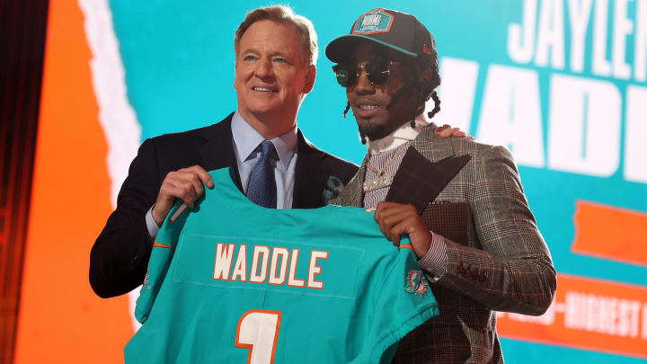 First-round wide receiver Jaylen Waddle has inked his rookie deal with the Miami Dolphins.
