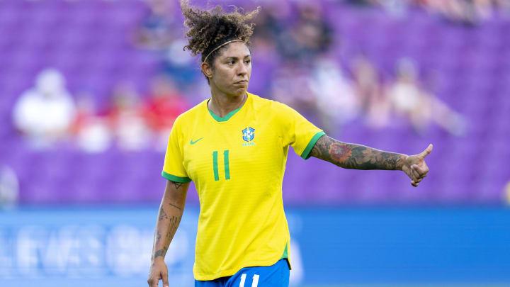 Cristiane utilizou suas redes sociais para sair em defesa de companheiras de Seleção