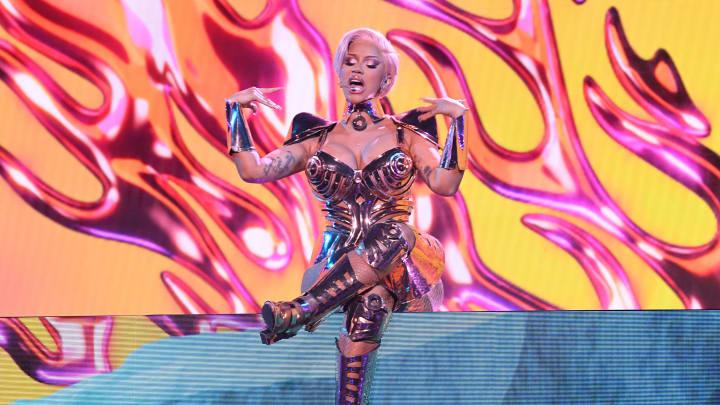 Cardi B realizó una polémica presentación de WAP junto a Megan Thee Stallion en los Grammys 2021