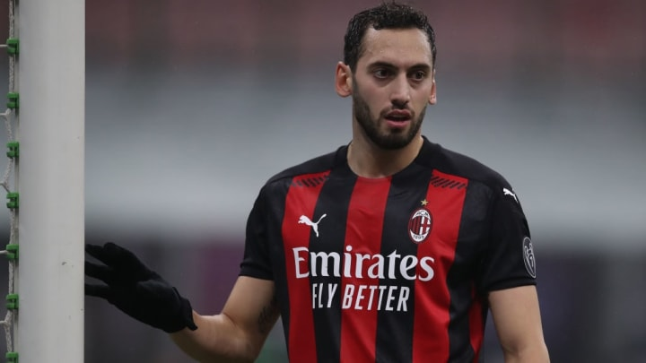 Weist die meisten Assists, Key Passes, Shot-Creating-Actions und Goal-Creating-Actions der Serie A vor: Hakan Calhanoglu
