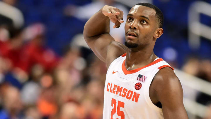 Clemson vs Alabama spread, line, odds, predictions, over/under and betting insights for Saturday's NCAA college basketball game.