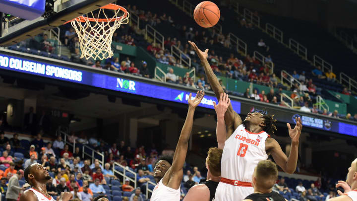 Clemson vs Georgia Tech spread, odds, line, over/under, prediction and picks for Wednesday's NCAA men's college basketball game.