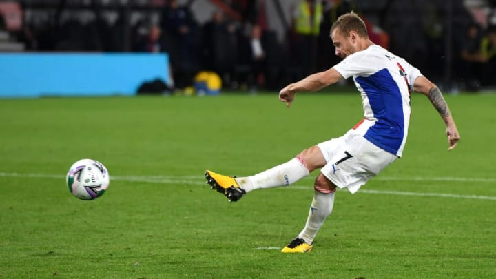 Max Meyer in action in the League Cup