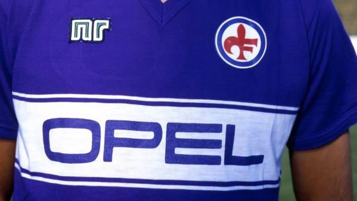 L'iconica maglia della Fiorentina 1985/86