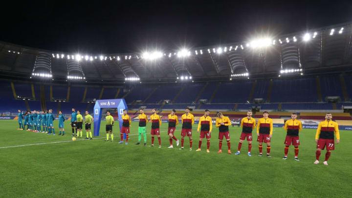 Le squadre schierate durante l'inno della Serie A