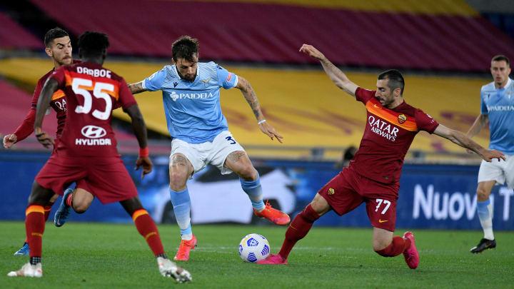 Novo capítulo do Derby della Capitale irá proporcionar o reencontro de Maurizio Sarri e José Mourinho