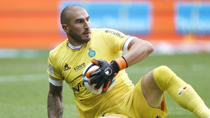 Stéphane Ruffier, mis à l'écart par Claude Puel chez les Verts, n'a plus joué mis les pieds sur un terrain de Ligue 1 depuis près d'un an.