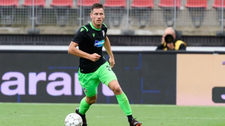 Kalvach (25) im CL-Quali-Spiel gegen AZ Alkmaar